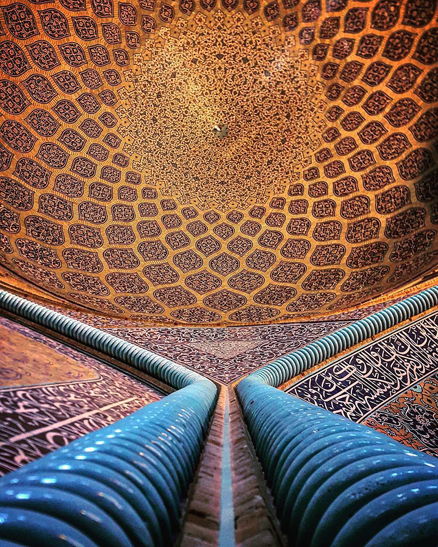 Sheikh Lotfollah mosque in Esfahan, Iran, 400 years old 2