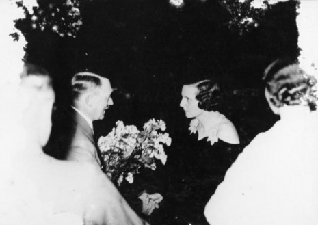 Adolf Hitler i Leni Rifenštal (Sammlung Berlin Document Center / Wikimedia Commons)