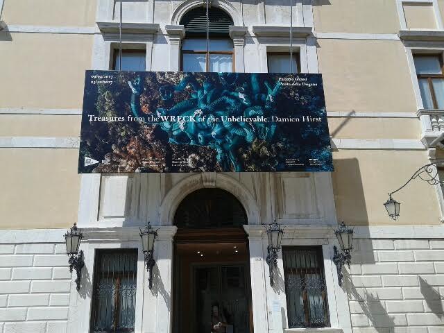 9 Herstova izložba u Palati Grasi