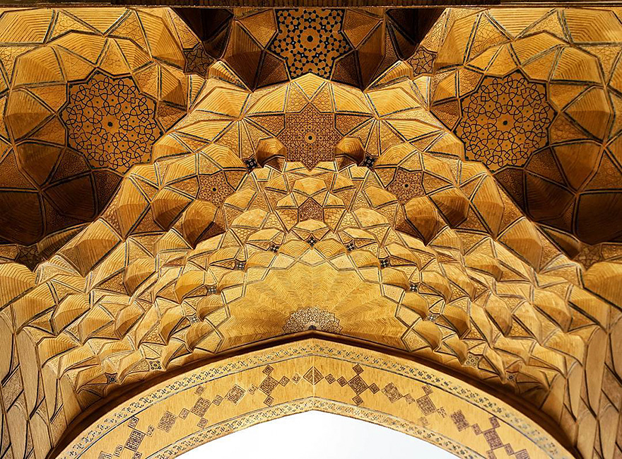 Jameh's mosque in Esfahan, Iran, 900 years old 1