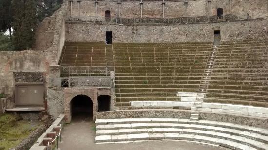 Pompeja 14 - Odeon