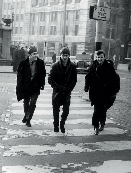 The Beatles Polska: Michael Ward fotografuje Beatlesów w Liverpoolu