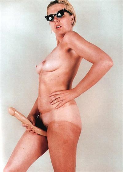 LYNDA BENGLIS ARTFORM 1974