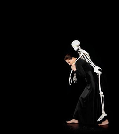 Marina Abramovic 2008 Carrying the Skeleton