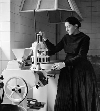 Marina Abramovic The Kitchen.jpg7