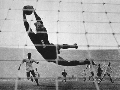 Šoškić spašava mrežu na meču protiv Urugvaja