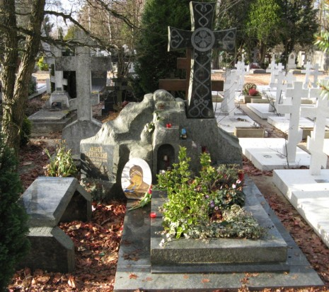 Gravestone_of_Andrei_Tarkovsky_2007