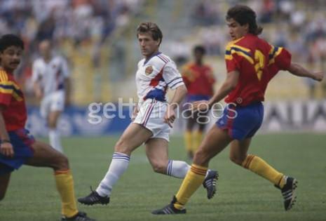 Safet Sušić u akciji na meču protiv Kolumbije