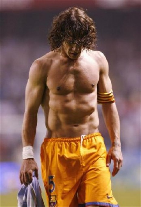 carlos_puyol_shirtless-5812