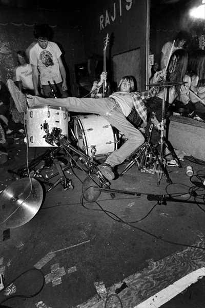 Nirvana, Rajis, Los Angeles 12.15.90. Photographed by Charles Peterson