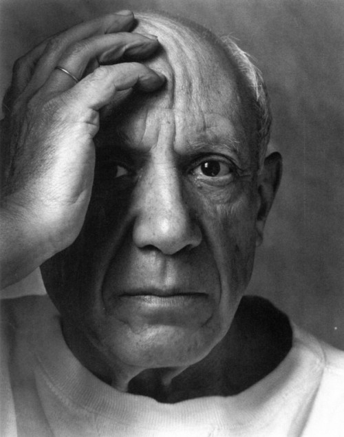 Arnold-Newman-Pablo-Picasso-Vallauris-1954