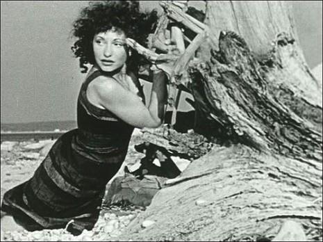 'At Land', film