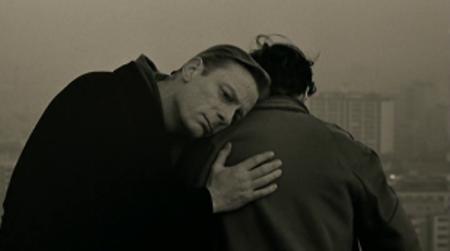Nebo nad Berlinom – Kad ljubav postane religija