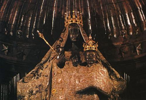 Crna devica iz katedrale u Šartru