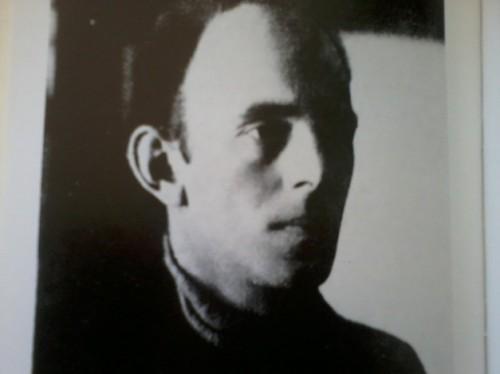 """Osip Mandeljštam, 1922. (fotografija """"sa rolkom"""")Osip Mandeljštam, 1922. (fotografija """"sa rolkom"""")"""
