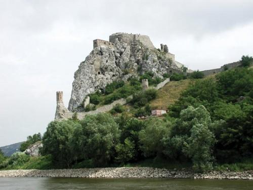 Tvrdjava Djevin na Dunavu, uzvodno od Bratislave