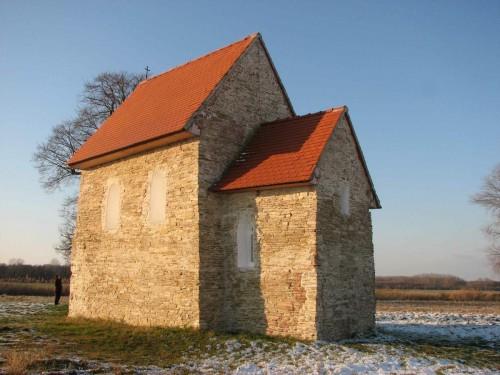Crkva Sv. Margarete u Kopčanima (Slovačka) predstavlja jedinu očuvanu strukturu koja datira  iz perioda postojanja Velikomoravske