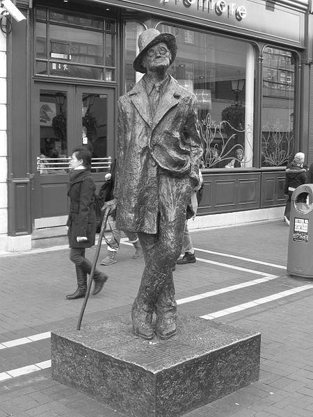 Statua-Džems-Džojs-irski-pisac-roman-Ulis