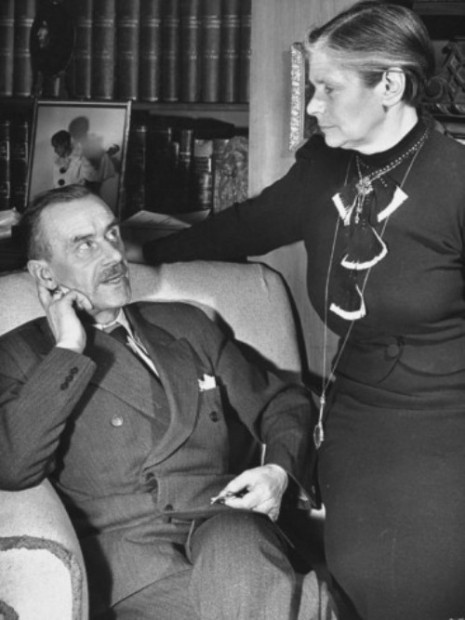 carl-mydans-german-born-us-writer-thomas-mann-talking-with-his-wife-in-their-home