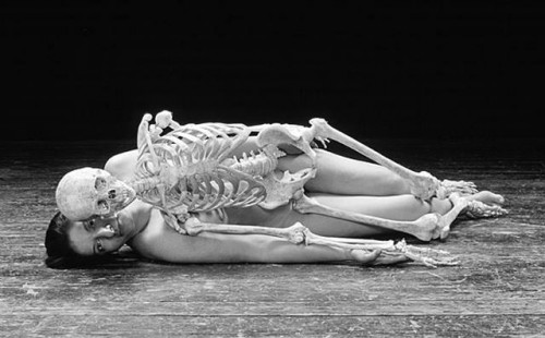 marina_abramovic_self_port_with_skeleton-7525371