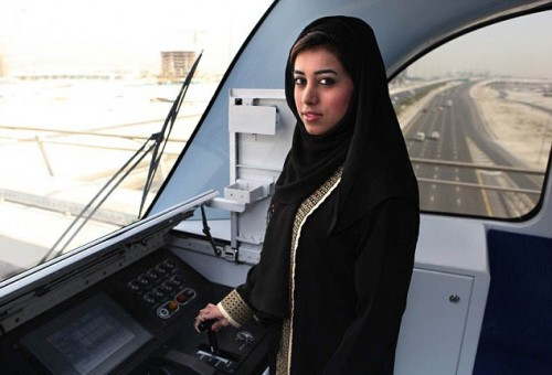 4.-woman_driver-UAE