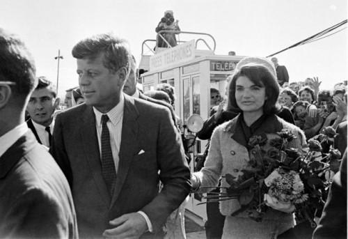 Džon i Džeki Kenedi u Dalasu 22. novembra 1963. godine (Foto: Beta-AP)