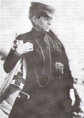 Сликарка Надежда Петровић као ратна болничарка.