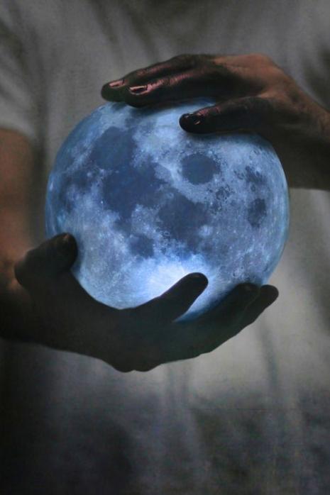 Nebeski leksikon, I deo: Iskupljenje i metafizika Meseca