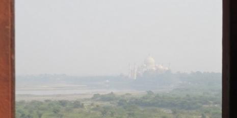 Pogled iz Crvene Agra tvrđave na Tadž