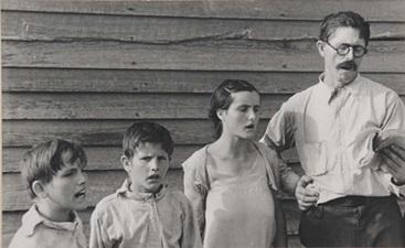 Slika 5: Voker Evans, Porodica - nedeljna molitva, 1936.