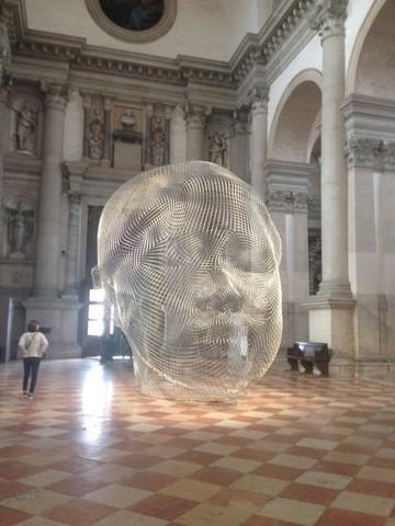 Prateca manifestacija: spanski umetnik Plensa, ostrvo San Giorgio