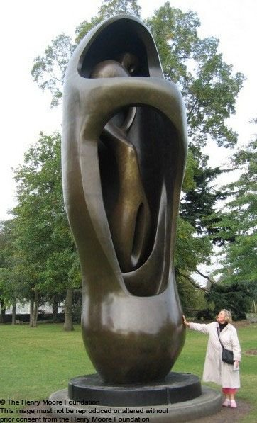 Henri Mur, skulptura u prostoru, bronza