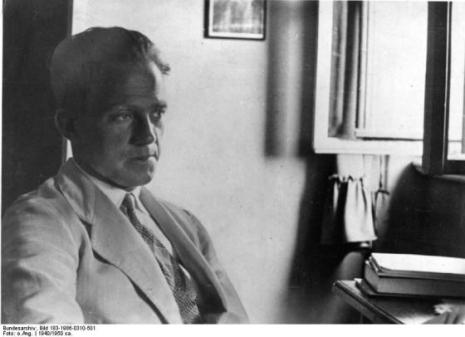 ADN-ZB Prof. Werner Heisenberg, Physiker geb. 5.12.1901 in Würzburg gest. 1.12.1976 Mitbegründer der Quantenmechanik und der nach ihm benannten Unbestimmtheitsrelation. Für sein Schaffen erhielt er 1932 den Nobelpreis.