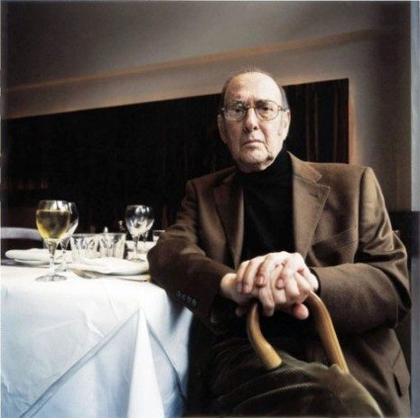 Nobel Prize-winning British playwright Harold Pinter died on Dec 24, 2008. He'd been suffering from liver cancer.