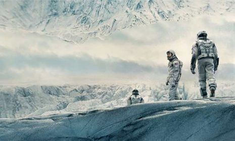 Interstellar-astronauts-ice-planet