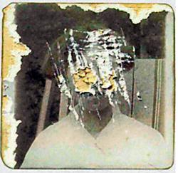 """Iškrabano lice žene sa korica Barnsove knjige """"Ništa zastrašujuće"""""""