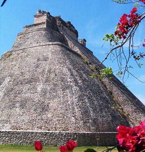 piramida-carobnjaka-u-uxmalu
