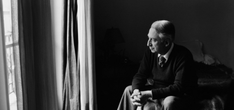 roland-barthes-sitting-bedroom-e1440934897569-797x374