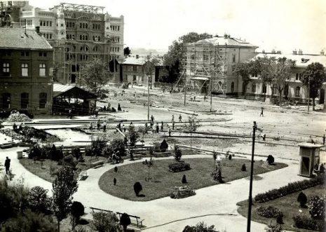 01 | Изградња зграде Поште бр. 2 на Вилсоновом тргу код железничке станице крајем дваедетих година