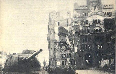03 | Зграда Поште после бомбардовања 1944. године
