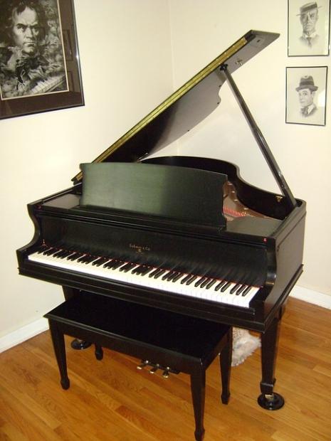 piano-179726_640