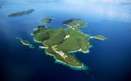 Ostrvo u podne – Hulio Kortasar