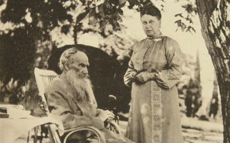 Iz ugla Sofije Tolstoj