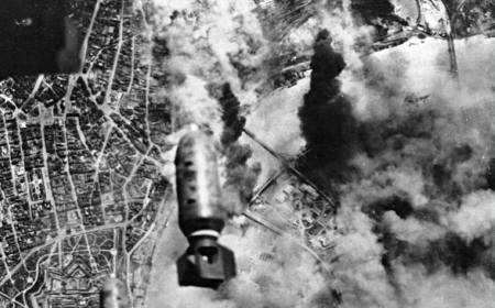 """""""Over Belgrade"""" – Zašto su saveznici 12 puta bombardovali Beograd u Drugom svetskom ratu"""