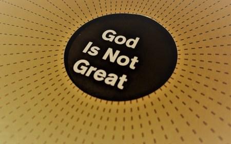 Kristofer Hičens: Bog nije veliki